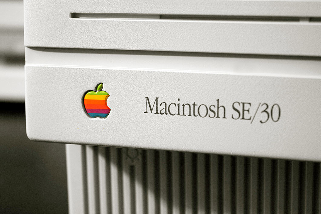 Apple Macintosh SE 30